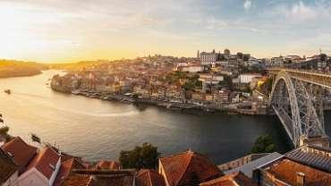 porto-e-o-vale-do-douro-entre-azulejos-e-degustacoes-de-vinho